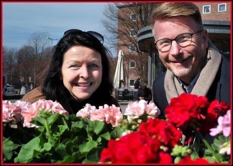 OVERTOK I 2018: Bente Kjenstad Jæger overtok i fjor som daglig leder i iSarpsborg. Her sammen med styreleder Thor Anders Hansen.