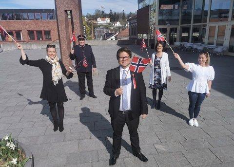 KLARE FOR FEIRING: Hilde Norland Gundersen, Øyvind Strand, Inger Marie Kongsbakk, Jannicke Abrahamsen og i front Odin Adelsten Bohman