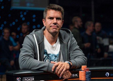 I FINALEN: Erlend Viken fra Tønsberg er i finalen i poker-NM.