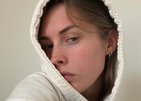 – Den som har mistet hverdagen, gleder seg ikke til helg, sier Marie (22)