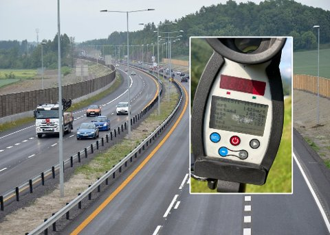 REAGERTE: En bilist på E18 reagerte på den tiltalte mannen i 20-årene. Det førte til en politijakt til Stokke, der sjåføren stanset og sovnet flere ganger. Fire måneder senere ble samme bilist målt til 142 kilometer i timen i ruset tilstand på Vestlandet.