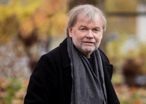 I 2018 utgav Gaarder romanen «Akkurat passe – en liten fortelling om nesten alt».