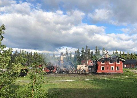 UTBRENT: Slik så branntomta ut tirsdag morgen.