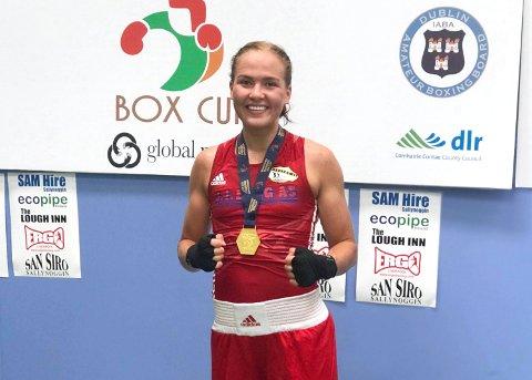 I KNALLFORM: Madeleine Angelsen tok nok en gullmedalje etter suveren boksing.
