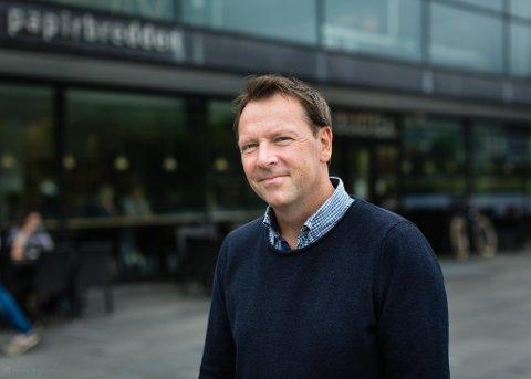 FORVENTNINGSFULL: Knut Erik Friis har stor tro på sitt nye prosjekt. Han er bergenser, fikk kjæreste fra Tønsberg, og er dermed etablert på Ringshaug.