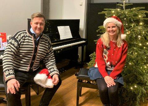 Ordfører Truls Wickholm og kommuneoverlege Liv B. T. Hagen på Nesodden oppfordrer alle til å følge koronavettreglene også nå i julen.