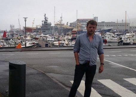 Martin Årseth i vinden i Tórshavn.