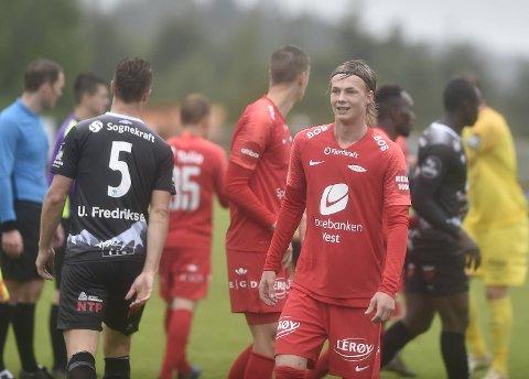 Brann-fan og Bremnes-spiller Stian Ytrøy (19) fikk ti minutter for yndlingsklubben sin da Brann slo Sogndal 3-2 i en treningskamp søndag.