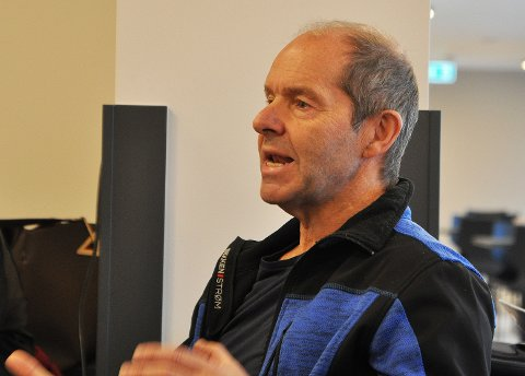 Bjørn Ronald Olsen sier det er et problem at det er så få boligtomter i Nordkapp kommune og at dette står i veien for befolkningsvekst.