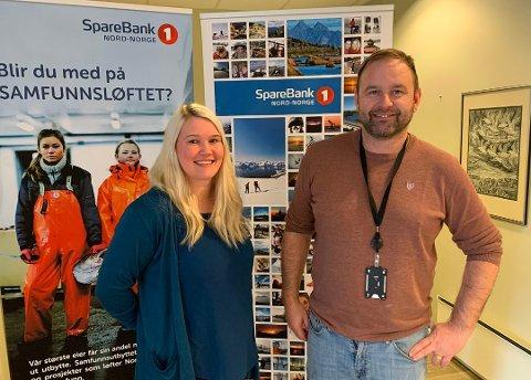 Christine Vitikka fra Nordkappregionen Næringshage og Tor-Kyrre Olsen i Sparebank 1 Nord-Norge.