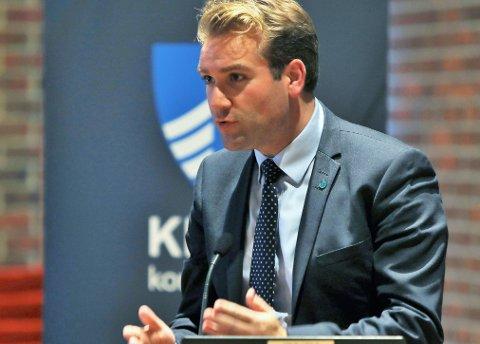 AKTUELL NASJONALT? Er Kinn Venstre sin toppkandidat Jacob Nødseth (30) aktuell når hola etter Frp-exiten skal fyllast av Venstre, KrF og Høgre den neste dagane?