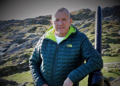 AKTIV: Olav Steimler er opprinneleg bergensar, men er busett på Reksta saman med kona Ingebjørg, der dei driv med sauer på garden ho vaks opp på.