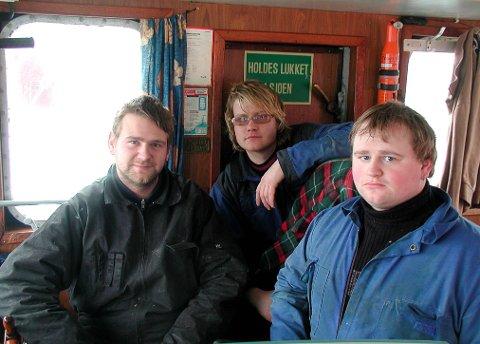 2005: Her ser vi Jon-Atle Bjørnø, Håkon-Inge Mjånes og Tomas Bjørnø ombord i sin første sjark, som dei døypte «Vest Viking»