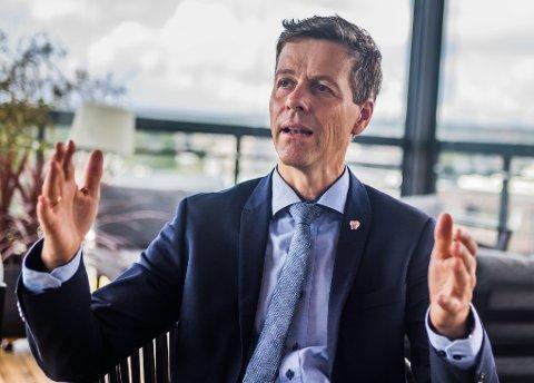 Nå bekrefter statsråd Knut Arild Hareide at han vil droppe Grønli stasjon, og bygge kryssingsspor sørover fra Fredrikstad til Halden.