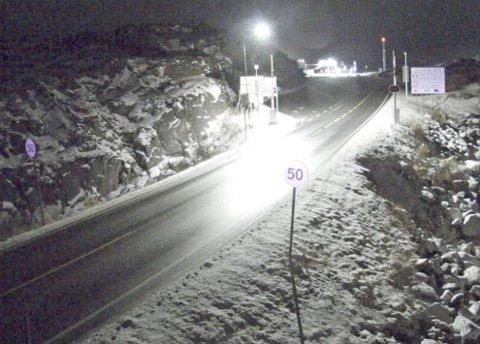 SESONGEN ER I GANG: Det er blitt vinterlig på fjellet, og nå har den første traileren sakset på glatta.