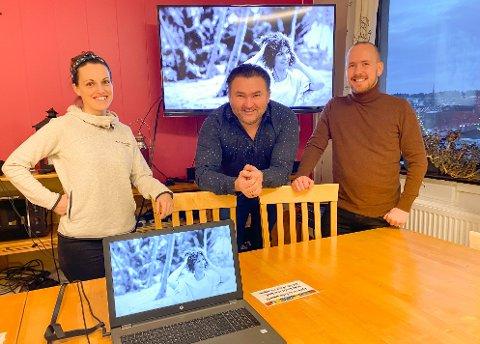 GLEDER SEG: Ailli Forsenius, Frode Sollie og Alexander Andersen gleder seg til å ta i mot Sissel Kyrkjebø under neste års vinterferstuke.