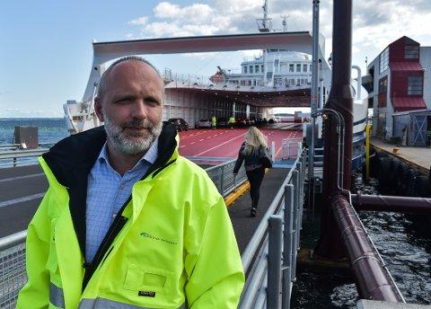 SKIPPERENS ANSVAR: – Jeg har ikke fått melding om at det ikke er forsvarlig å krysse fjorden nå, sier direktør ved Bastø-Fosen AS, Øyvind Lund.