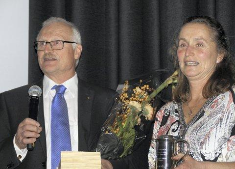 VANT IGJEN: Jan og Tonje Botilsrud fra Grue gikk til topps for fjerde år på rad i kategorien «beste foredlingsbesetning landsvin».FOTO: Erling Mysen/Fagbladet Svin