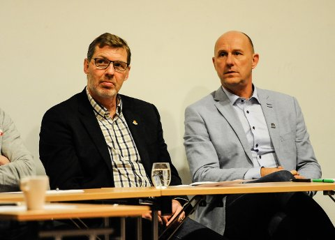 Kvik Haldens leder Bjørn Brevig (tv) mener Cato Haug og Sarpsborg 08 må utvise mer forståelse og ta mer ansvar når det kommer til å hente unge fotballtalenter ut fra sitt eget klubbmiljø.