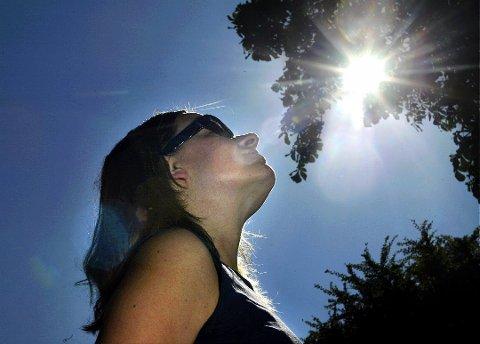 FORSVINNER: Sola blir mindre synlig i Halden den kommende uka.