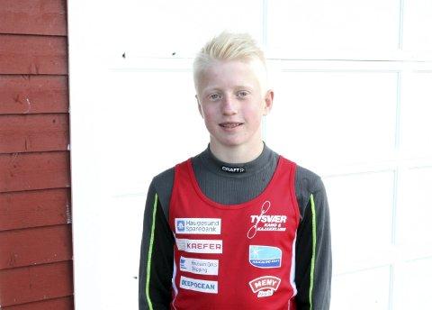 TRENER MED de ELDRE: Gudmund Lønning Staupe (14) er ett og to år yngre enn de andre guttene i treningsgruppen.