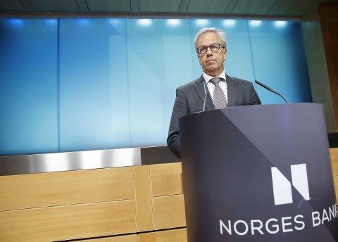 Uforandret: Sentralbanksjef Øystein Olsen kommer ikke til å røre renten på torsdagens møte, tror ekspertene.