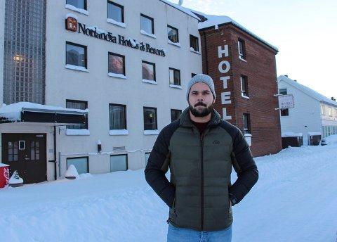Stian Nyland og de andre ansatte ved Hotell Skaret  kommer nå med økonomiske krav mot selskapet.