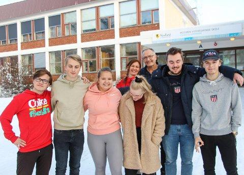 Hovedsyret for elevrådet ved MVS. Fra venstre: Håvard Valstad, Isak Kvandal, Darina Bjerknesli, Emma Einmo, Tormod Mørsvik og  Lukas Ivarrud. Bak Bjørnhild Lande og Kurt Henriksen