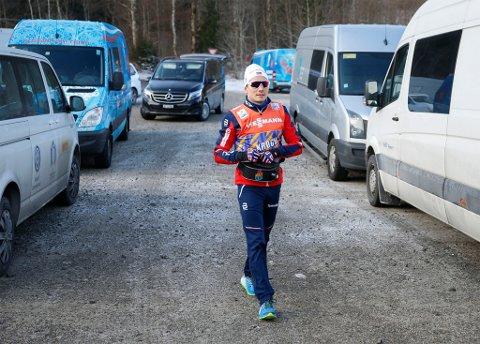 OVER: Finn Hågen Krogh ga seg på den tredje etappen av årets Tour de Ski. Foto: Terje Pedersen / NTB scanpix