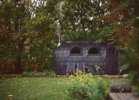 SAUNA: Til sommeren vil denne saunaen få sin plassering ved Borgenfjorden. Den har plass til ti personer, og kan gi et lite luksuriøst avbrekk.