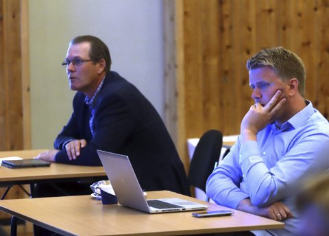 Oppgitt: Høyres Aleksander Leet og Alf Johan Svele lurer på hvor det ble av innsparingstiltakene for 2020. Nå styres det mot et underskudd på 40-60 millioner kroner.alle foto:  Jarl Rehn-Erichsen
