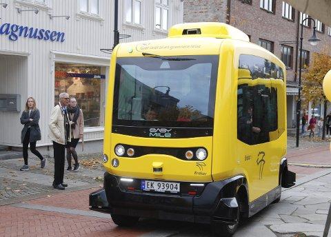 Førerløs: Dette kan være framtidens tilbud i Lier, og under årets Lierdager får alle muligheten til å prøve hvordan det er å ta en førerløs buss. Foto: Privat