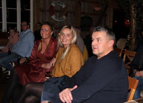 Rune Liland på konsert sammen med Line Nilsen Olufsen og Cathrine Nilsen.