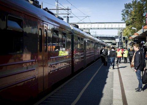Vil ha intensivert jernbaneutbygging: –For regionens arbeids- og næringsliv vil InterCity utbyggingen redusere transportkostnadene og øke konkurransekraften. Det vil bety raskere og mer effektiv transport av østfoldinger. Foto: Eirik Løkkemoen Bjerklund