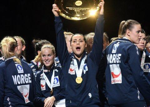 GULL SOM GLIMRER: Nora Mørk var i storform på pallen. Alle foto: Solfrid Therese Nordbakk