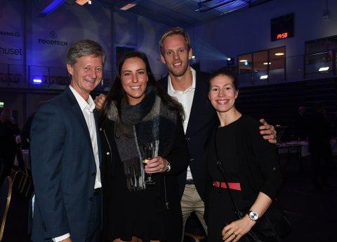 KLARE FOR FEIRING: Tom Alm, Mathilde Andresen, Emil Midtbø Sundal og Ane Marthe Lines så fram til å feire åpningen av den nye storstua.