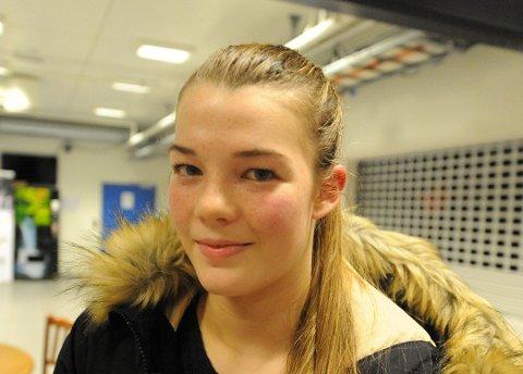 Ishockeyspilleren Kamilla Skogvold Olsen (15) representerter Norge i ungdoms-OL. Arkivfoto.