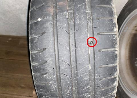 SKRUER: Flere og flere sjåfører i Tromsø opplever punkterte dekk.