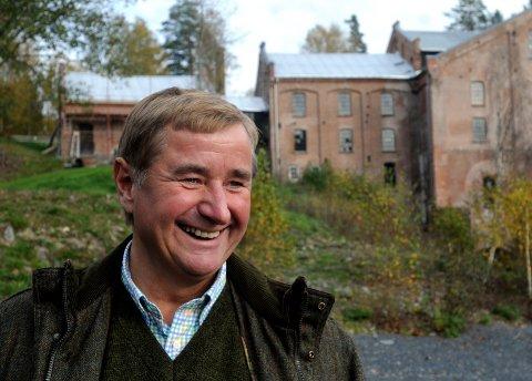 Milliardæren Christen Sveaas er styreleder i Kistefos Træsliberi AS, som har planer om å utvikle et hytteområde ved Grevsjøen på Veståsen i Søndre Land.