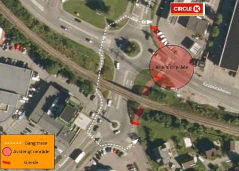 Stengt: Kartet viser avstengt gangområde markert med rød sirkel, og anbefalt gangrute markert med hvit stiplet linje.