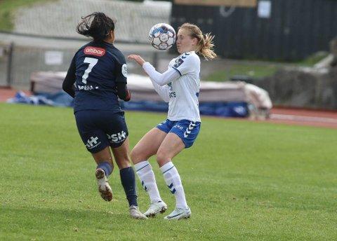 My Haugland, her i aksjon for Kolbotn, og resten av jentene på det norske J19-landslaget fikk et brutalt møte med Nederland i åpningskampen.