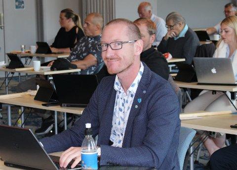 GA MEDHOLD: Karsten Tønnevold Fiane (Sp) er leder i teknisk- og miljøutvalget i Bamble kommune. Utvalget vedtok å gi medhold i klagen fra Adapt Arkitekter om søknad om nybygg i Storgata i Langesund.