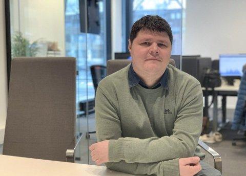 VIL HA HALL: Kristian Leerstang Sørensen (Sp) forsikrer at de fortsatt er for å bygge svømmehall på Heistad, selv om de stemte nei til en forslag om dette i utvalgsmøtet.