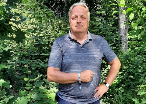 VERDIENE STÅR FORTSATT STERKT: Harald Olsen var på Utøya senest mandag denne uka. Han synes det er godt å se at engasjementet og verdiene som ble angrepet her før ti år siden fortsatt står sterkt blant dagens oppvoksende generasjon.