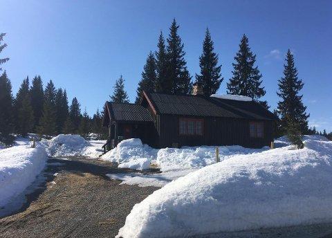 For påsketur: Hytta på Olshølen i Åstdalen kan leies for 750 kroner døgnet.