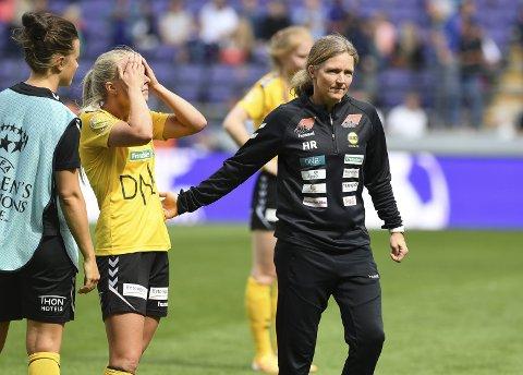 Må se framover: Hege Riise og Emilie Woldvik må sammen med resten av LSK Kvinner svelge skuffelsen raskt. Men neste år kan de slippe kvalifiseringsspill. Begge foto: NTB scanpix