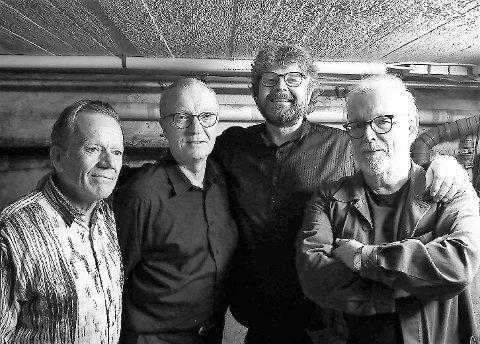 I FRONT: Singers lounges faste band og ledestjerner er Frode Nyhuus, Alf Henrik Henriksen, Rino Larsen og Roar Lindberg.