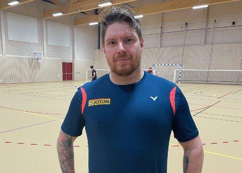 OPPGITT: Marius Sørby har liten forståelse for at han og medspillerne i Sandefjord Badmintonklubb blir nektet å spille kamper.
