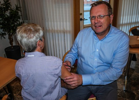 INFLUENSA: Helsesjef Øivind Werner Johansen råder eldre og mennesker med kronisk sykdom til å vaksinere seg mot influensa.