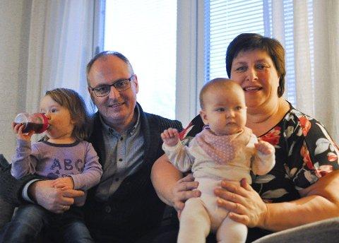 STABILT FØLGE: Øivind Reymert er av KrF-erne som ikke liker vinglingen til partileder Knut Arild Hareide. Han setter pris på stabilt følge. Her avbildet sammen med kona Karen Reymert. Arkivfoto